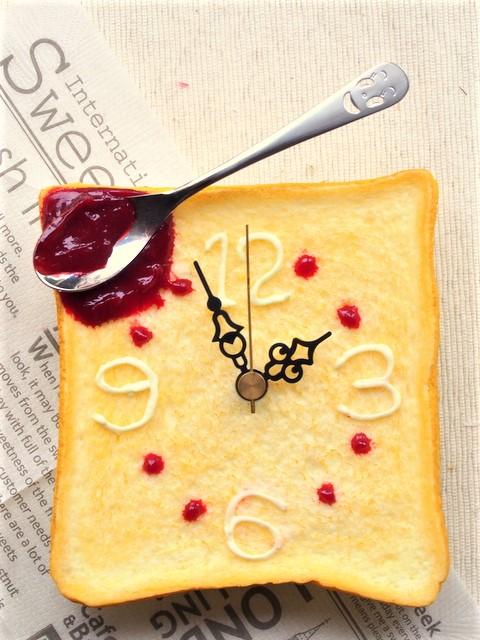 食品サンプルトースト時計