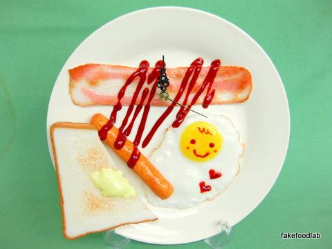 食品サンプルベーコンエッグトースト時計